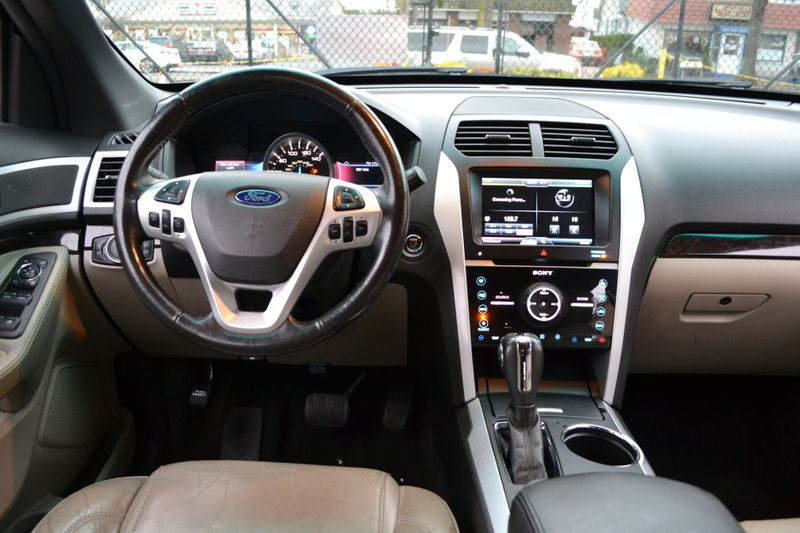 2014 Ford Explorer Limited  city New  Father  Son Auto Corp   in Lynbrook, New