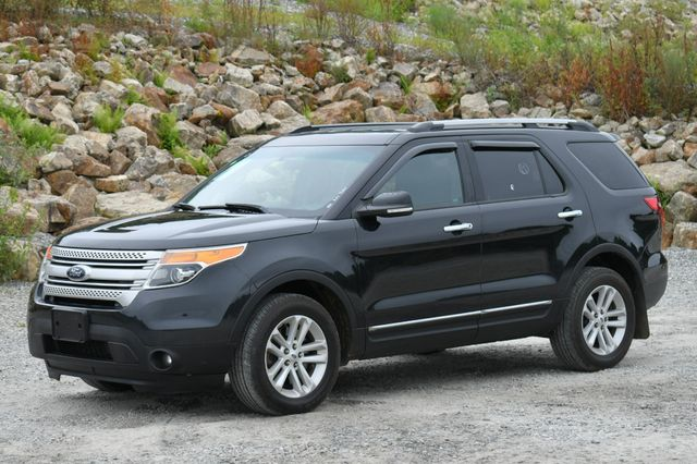 2014 Ford Explorer XLT 4WD Naugatuck, Connecticut 2