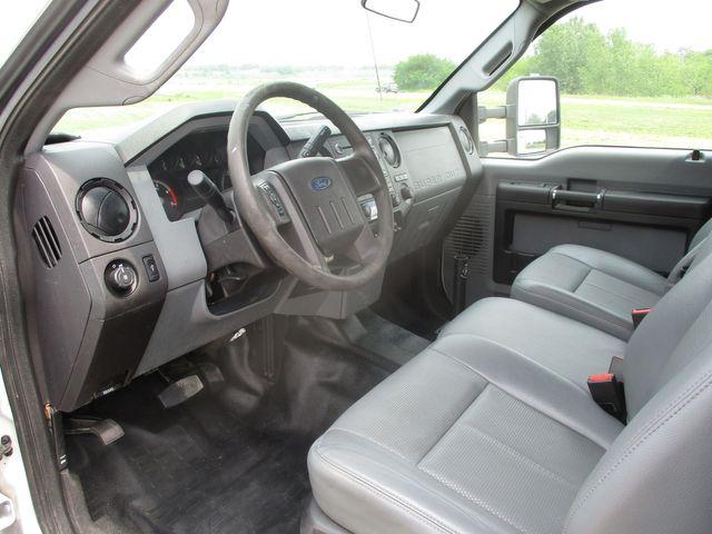 2014 Ford F-550 4X4 BUCKET TRUCK XLT Lake In The Hills, IL 9