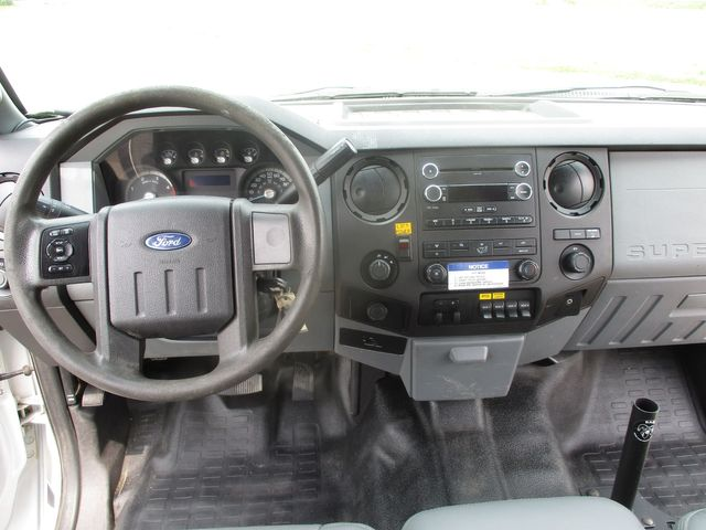 2014 Ford F-550 4X4 BUCKET TRUCK XLT Lake In The Hills, IL 17