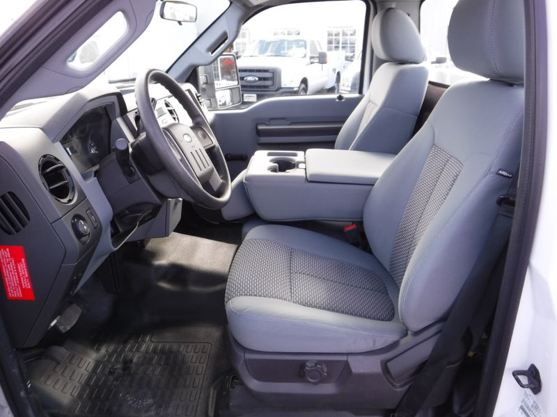 2014 Ford F250 Regular Cab 2wd With New 8 Knapheide Utility Bed In Ephrata
