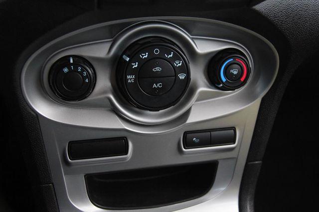 2014 Ford Fiesta SE Santa Clarita, CA 19
