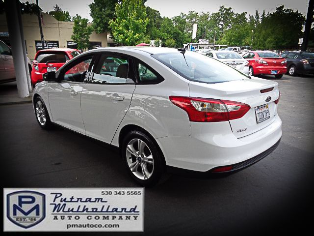 2014 Ford Focus SE Chico, CA 4