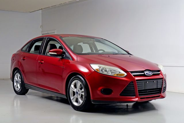 2014 Ford Focus SE Automatic Clean Carfax Save THOUSANDS