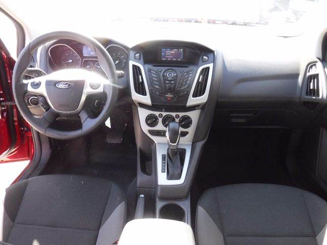2014 Ford Focus SE Hatchback in Gower Missouri, 64454