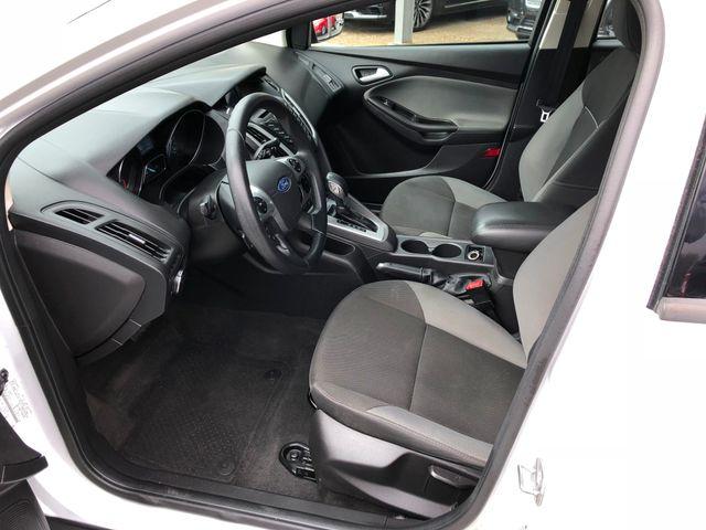 2014 Ford Focus SE Hatchback in Gower Missouri, 64454