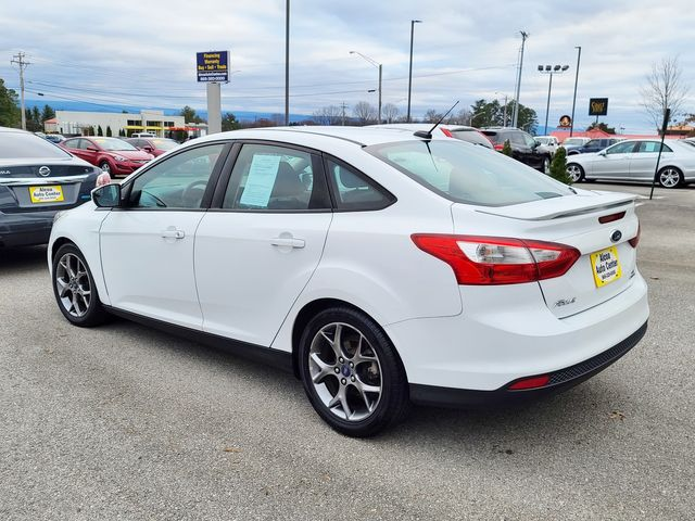 """2014 Ford Focus SE Sport Package Leather/SYNC /17"""" Alloys in Louisville, TN 37777"""