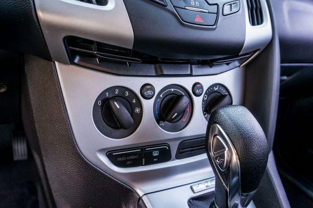 2014 Ford Focus SE Reseda, CA 29