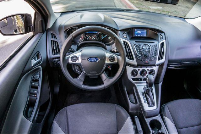 2014 Ford Focus SE Reseda, CA 19