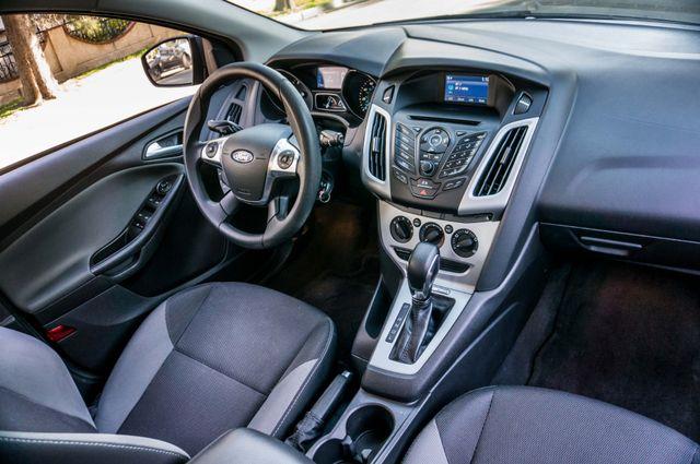 2014 Ford Focus SE Reseda, CA 37