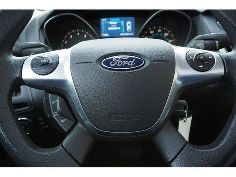 2014 Ford Focus SE | Whitman, Massachusetts | Martin's Pre-Owned in Whitman, Massachusetts
