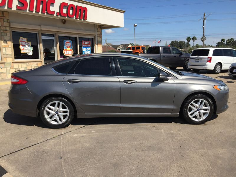 2014 Ford Fusion SE  Brownsville TX  English Motors  in Brownsville, TX
