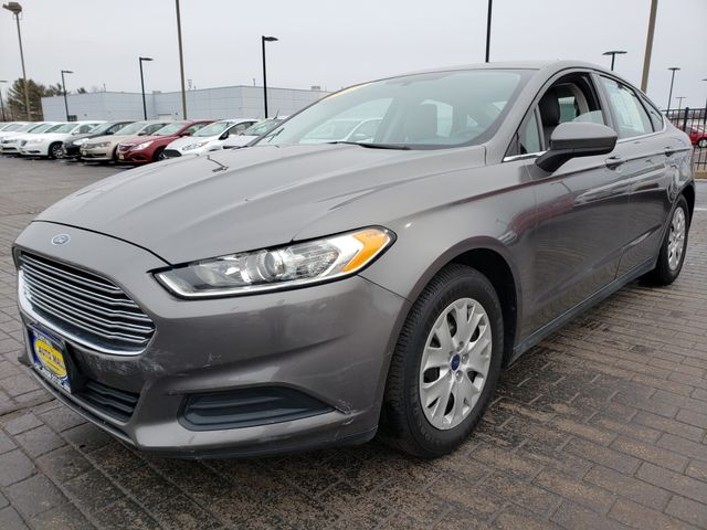 2014 Ford Fusion S | Champaign, Illinois | The Auto Mall of Champaign in Champaign Illinois