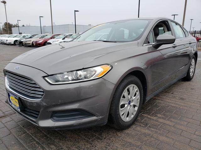 2014 Ford Fusion S | Champaign, Illinois | The Auto Mall of Champaign in Champaign Illinois