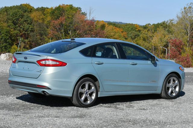 2014 Ford Fusion Hybrid SE Naugatuck, Connecticut 4