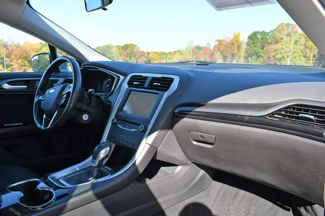 2014 Ford Fusion Hybrid SE Naugatuck, Connecticut 8