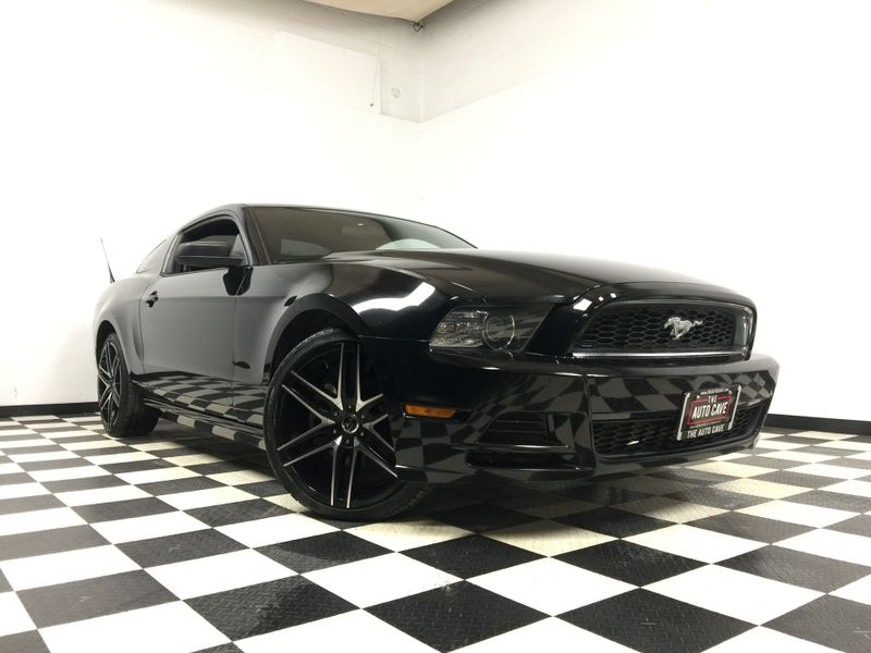 2014 Ford Mustang *Drive TODAY & Make PAYMENTS*   The Auto Cave in Addison