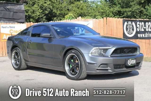 2014 Ford MUSTANG NICE PONY