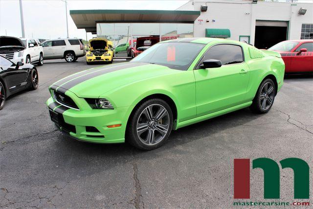 2014 Ford Mustang V6 Premium | Granite City, Illinois | MasterCars Company Inc. in Granite City Illinois
