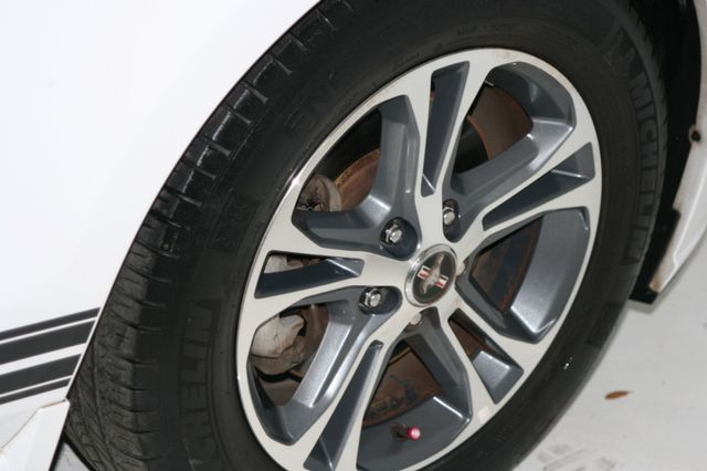 2014 Ford Mustang V6 Convt Houston, Texas 10