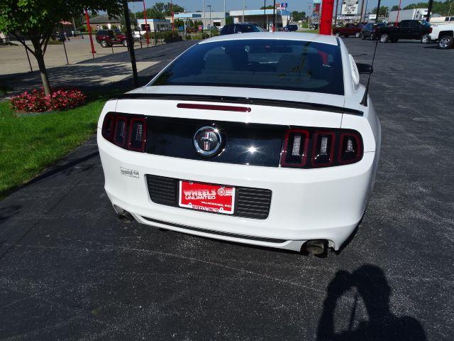 2014 Ford Mustang V6 Valparaiso, Indiana 4