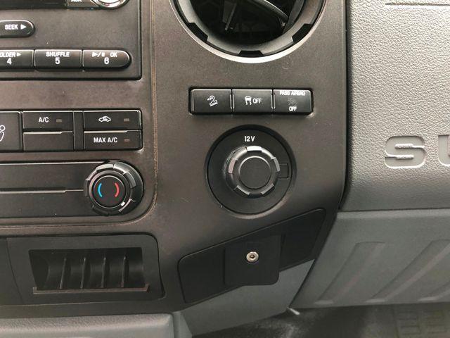 2014 Ford Super Duty F-250 XL 4X4 in Gower Missouri, 64454