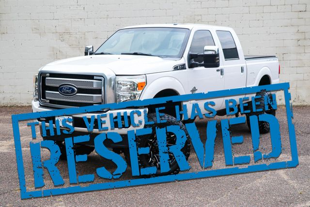 2014 Ford Super Duty F-250 Platinum 4x4 Diesel w/2-Tone Interior, Nav, Moonroof, Heated/Cooled Seats & 37s in Eau Claire, Wisconsin 54703