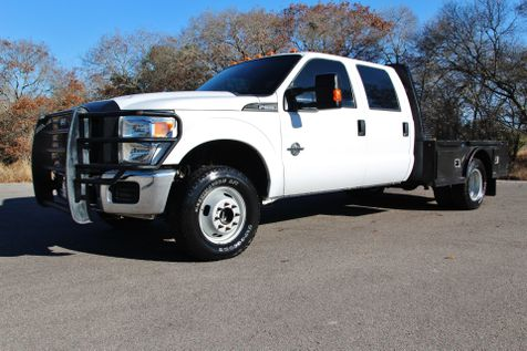 2014 Ford Super Duty F-350 DRW Chassis Cab XL - 4X4 in Liberty Hill , TX