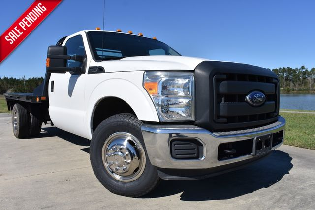 2014 Ford Super Duty F-350 DRW Chassis Cab XL