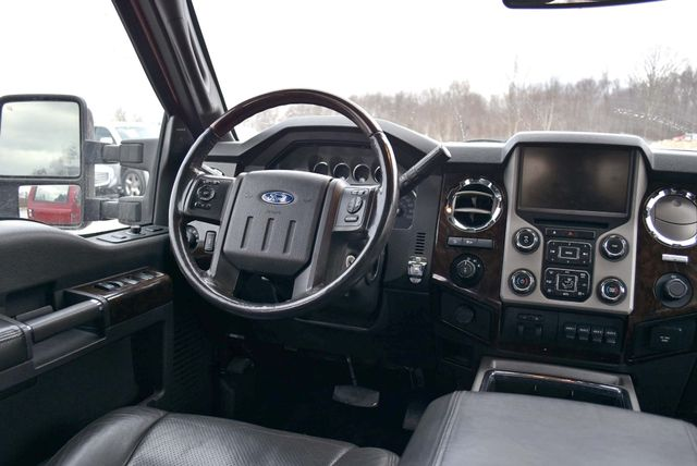 2014 Ford Super Duty F-350 SRW Pickup Platinum Naugatuck, Connecticut 12