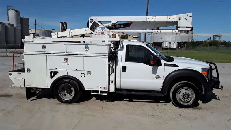 2014 F550 4WD LOW MILES AC TEREX 45FT BUCKETBOOM TRUCK  city TX  North Texas Equipment  in Fort Worth, TX