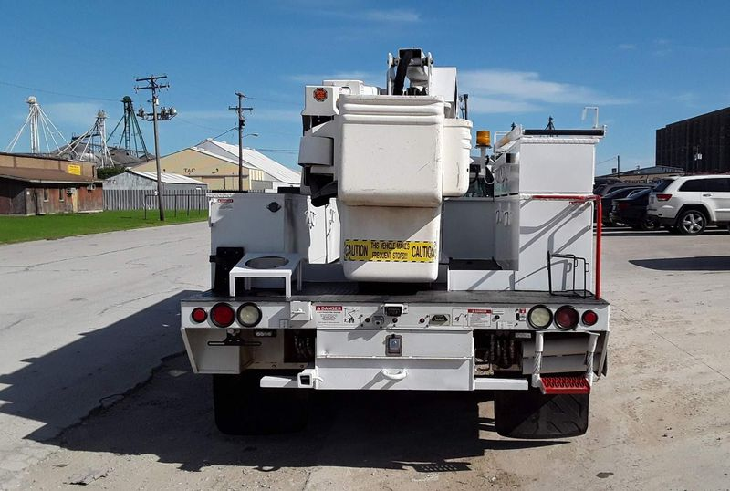 2014 F550 4WD LOW MILES AC XLT TEREX 45FT BUCKETBOOM TRUCK  city TX  North Texas Equipment  in Fort Worth, TX