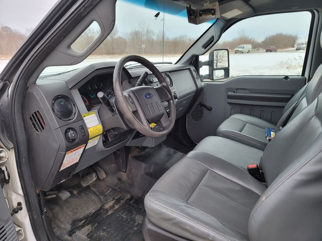 2014 Ford Super Duty F-550 DRW Chassis Cab XL Lake In The Hills, IL 13
