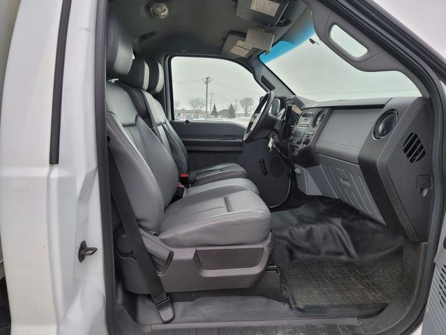 2014 Ford Super Duty F-550 DRW Chassis Cab XL Lake In The Hills, IL 15