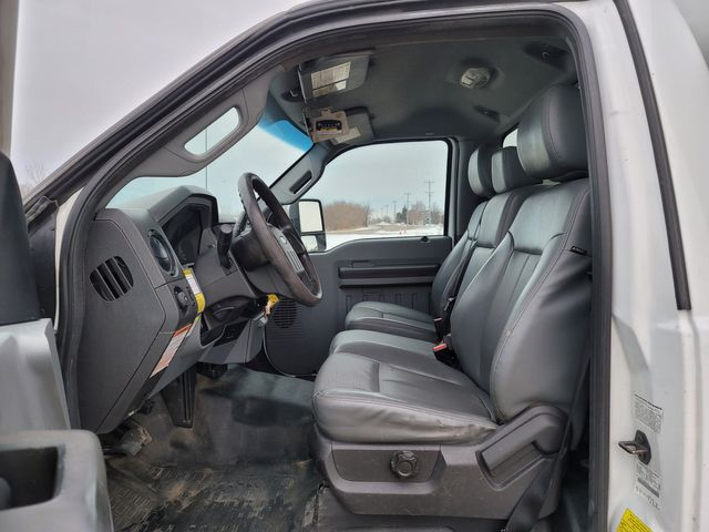 2014 Ford Super Duty F-550 DRW Chassis Cab XL Lake In The Hills, IL 17
