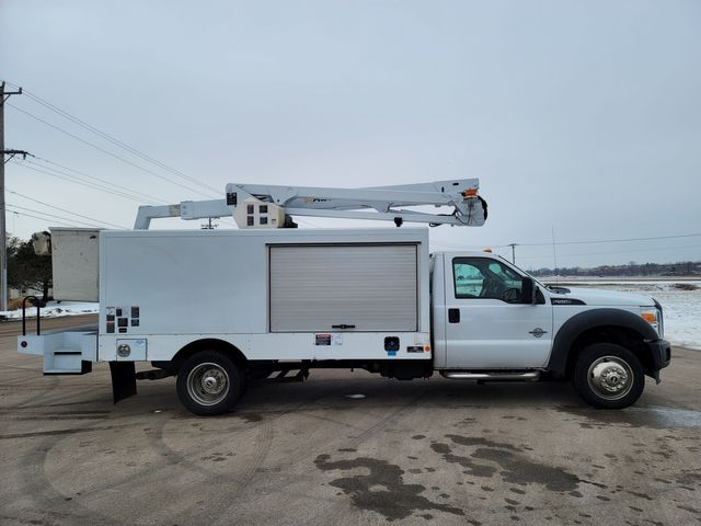 2014 Ford Super Duty F-550 DRW Chassis Cab XL Lake In The Hills, IL 2