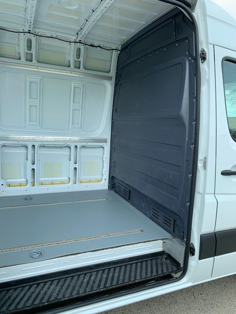2014 Freightliner Sprinter Cargo Vans Chicago, Illinois 4