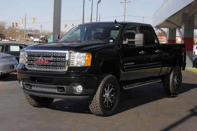 2014 GMC Sierra 2500HD Denali Crew Cab Z71 4X4 - LIFTED - LOTS OF EXTRA$! Mooresville , NC 24
