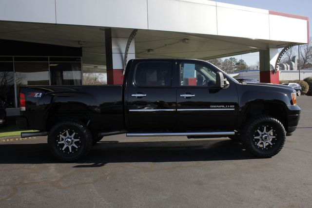 2014 GMC Sierra 2500HD Denali Crew Cab Z71 4X4 - LIFTED - LOTS OF EXTRA$! Mooresville , NC 14
