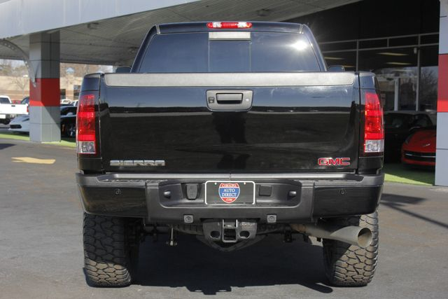 2014 GMC Sierra 2500HD Denali Crew Cab Z71 4X4 - LIFTED - LOTS OF EXTRA$! Mooresville , NC 17