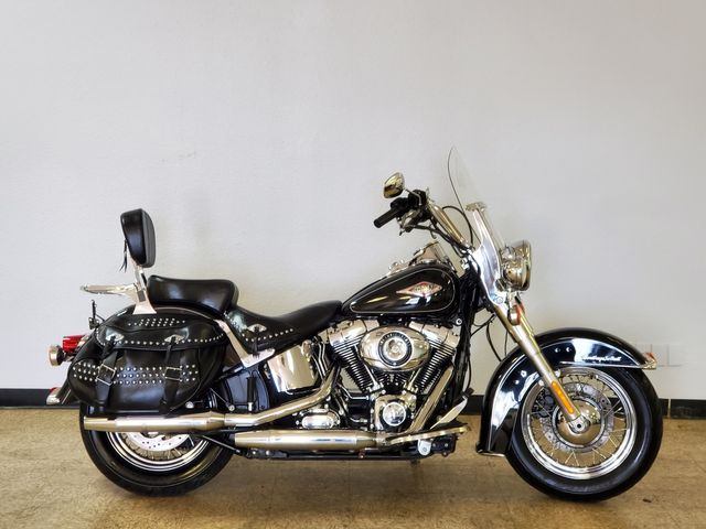 2014 Harley-Davidson Heritage Softail Classic FLSTC in Fort Worth , Texas 76111