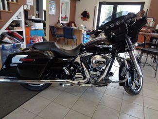 2014 Harley-Davidson Street Glide in Brockport, NY 14420