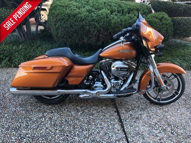 2014 Harley-Davidson Street Glide Base