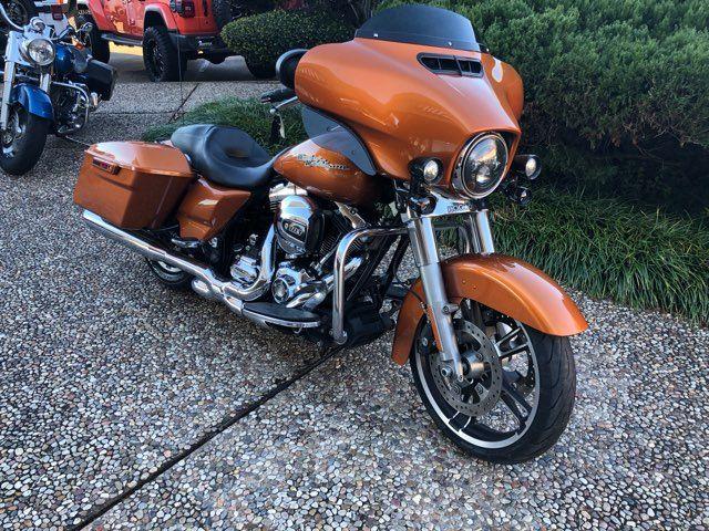 2014 Harley-Davidson Street Glide Base in McKinney, TX 75070