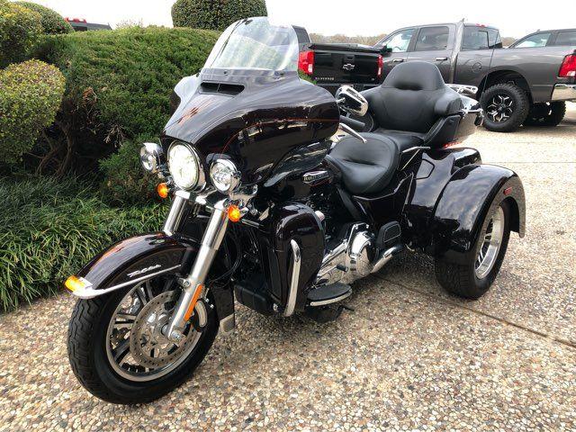 2014 Harley-Davidson Ultra Tri-Glide in McKinney, TX 75070