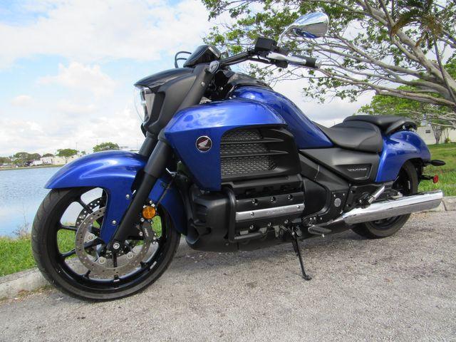 2014 Honda Gold Wing Valkyrie in Dania Beach , Florida 33004