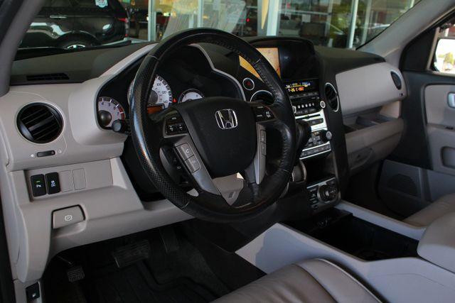 2014 Honda Pilot Touring FWD - NAVIGATION - REAR DVD - SUNROOF! Mooresville , NC 33