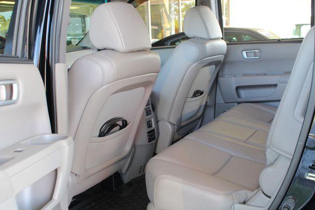 2014 Honda Pilot Touring FWD - NAVIGATION - REAR DVD - SUNROOF! Mooresville , NC 47
