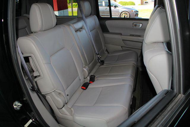 2014 Honda Pilot Touring FWD - NAVIGATION - REAR DVD - SUNROOF! Mooresville , NC 46