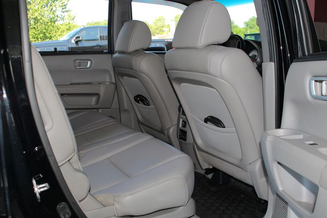 2014 Honda Pilot Touring FWD - NAVIGATION - REAR DVD - SUNROOF! Mooresville , NC 48